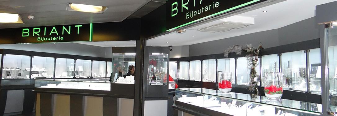 joli design vêtements de sport de performance haut fonctionnaire Centre Commercial Fontvieille Monaco